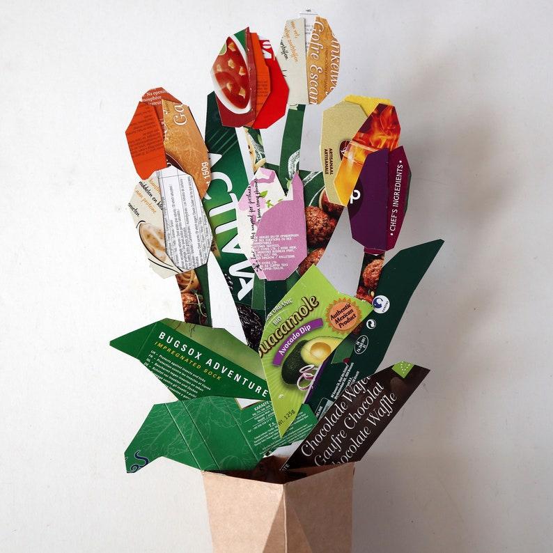 Board cardboard tulips Bouquet image 0