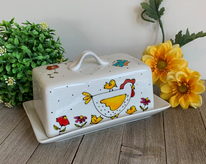 Chickens Covered butter Dish, 1 pound of butter, ceramic, hen gift, hand painted