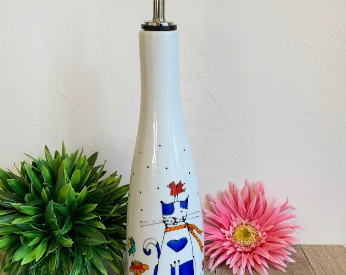 Olive oil Dispenser, Ceramic, Cat, green leaf, vinegar, Maple sirop, Hand painted bottle