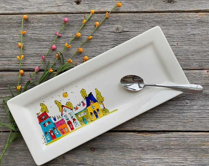 Decoration or serving Plate Porcelain, 5 Houses, clothesline, tree, town and village, Hand painted