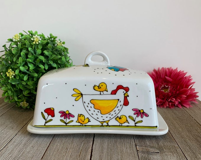 Butter dish white stoneware with cover Hen hand painted