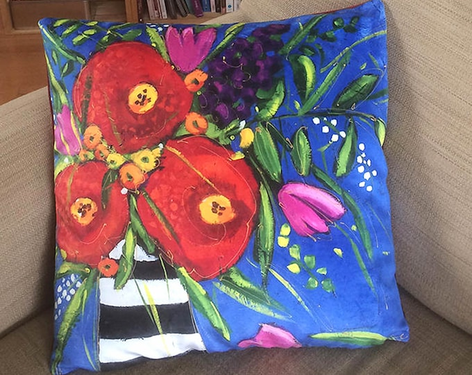 Cushion cover Velveteen red and pink flower blue background