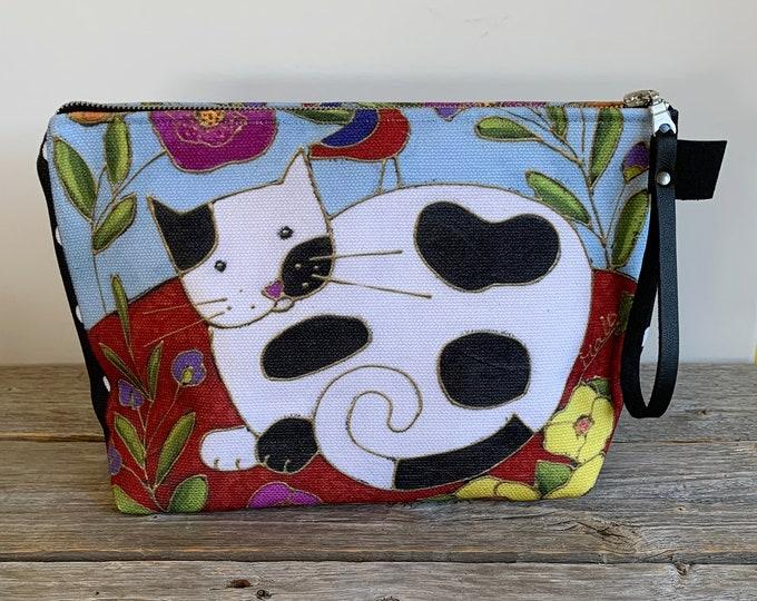 Cosmetic pouch zipper black white cat