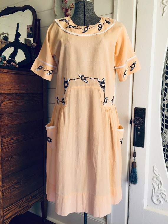 Vintage 1920s 1930s Embroidered Cotton Crepe Dress