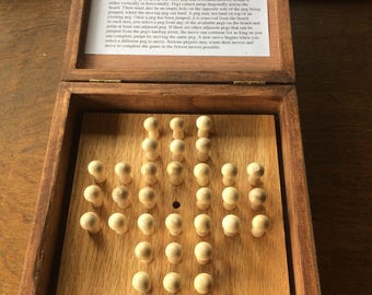 Solitaire - Traditional Peg Game