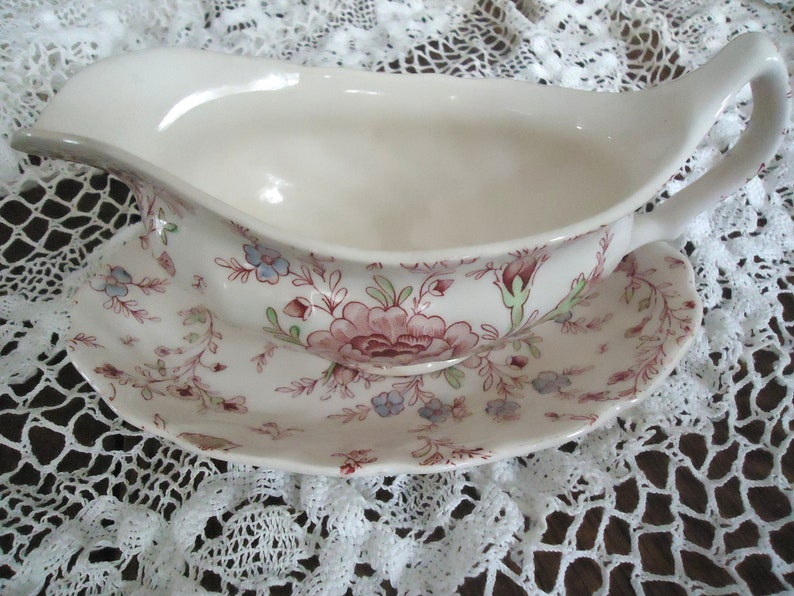 Gravy Boat and Dish, Johnson Brothers Vintage English China, Rose Chintz  Floral Pattern, Holiday, Thanksgiving, Christmas, Pink Rose,Cottage