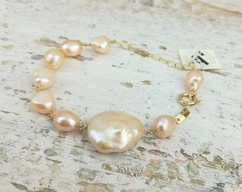 a0deec14b53 Pink baroque Pearl bracelet.18 Kt yellow gold handmade bracelet.Cultured pearl  jewel.Bridal bracelet.Boho chic.Italian Jewelry.Made in Italy