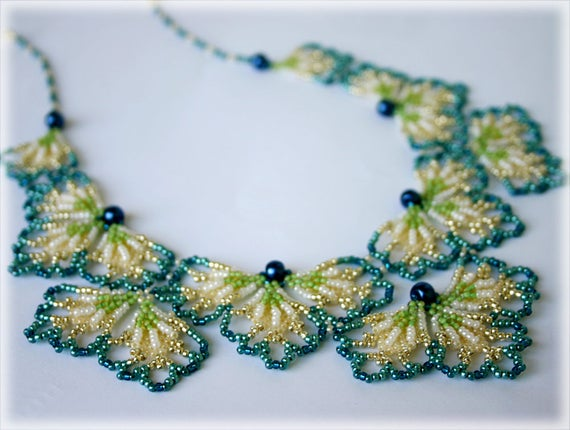 BluePetals necklace beading TUTORIAL