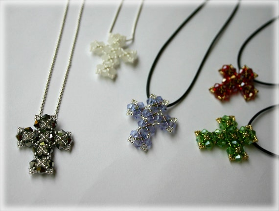 Cross pendant beading TUTORIAL