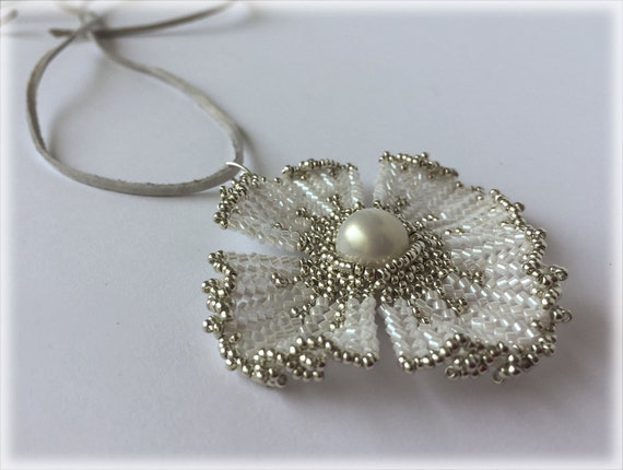 PoppyFlower pendant beading TUTORIAL