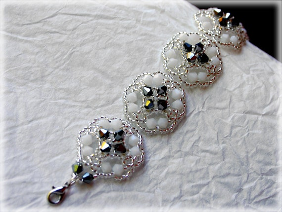 Lucy bracelet beading TUTORIAL