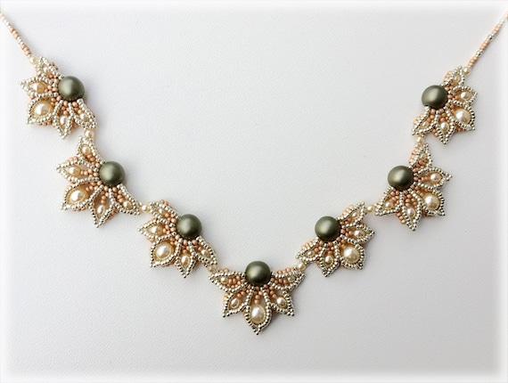 HalfDaisy necklace beading TUTORIAL
