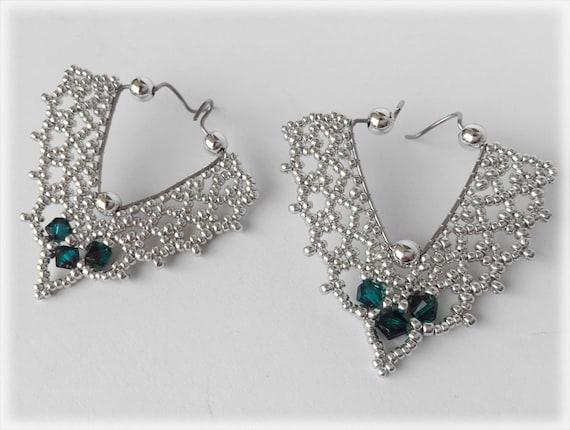 TheoDora earrings beading TUTORIAL