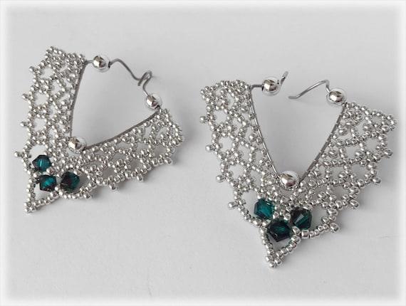 TheoDora earrings beading TUTORIAL