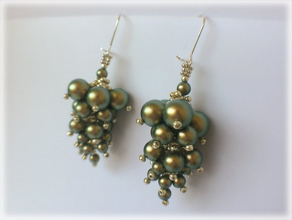 BunchGrapes earrings beading TUTORIAL