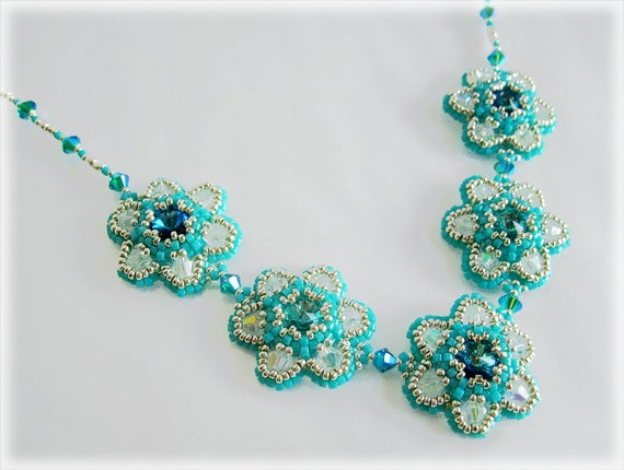 Crystal daisies necklace beading TUTORIAL