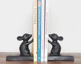 Pair Of Cast Iron Mouse Mice Bookends Old Rustic Heavy Duty Book Ends Traditional Vintage Antique Style Animal Holders