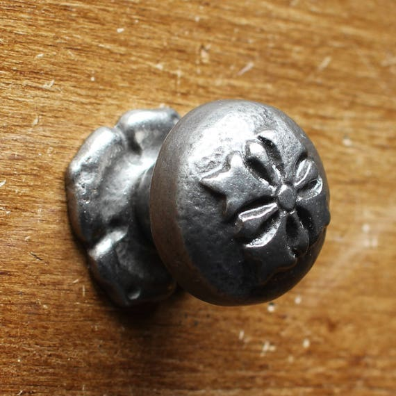Fleur De Lys Victorian Cast Iron Cabinet Knobs Drawer Etsy