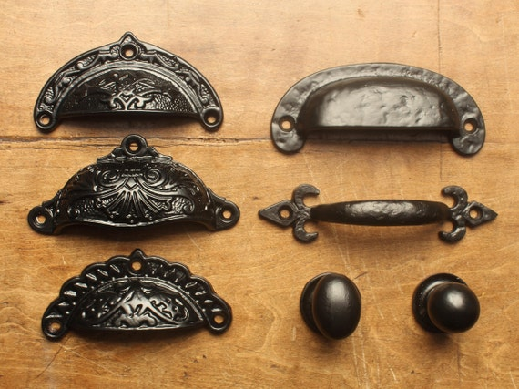 1 x VICTORIAN ANTIQUE STYLE CAST IRON CUP PULL DRAWER HANDLES CABINET ~ DP04