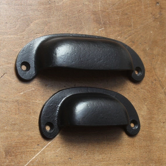 Classic Black Cast Iron Cup Pull Handles Kitchen Cupboard Drawer Door D Cabinet Pulls Old Iron Handmade Vintage Retro Handles Bin Pulls