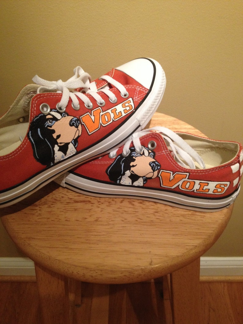 1c9c16a113 Tennessee Volunteers Converse shoes