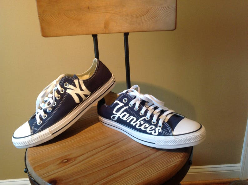 e0f0a4407560 New York Yankees Custom Converse