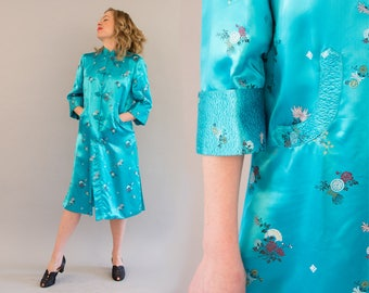 Fifties Blue Chinese Brocade Coat - Vintage 50s Blue Satin Robe with Three Quarter Sleeves Frog Buttons Asian Coat Side Slits Size 36