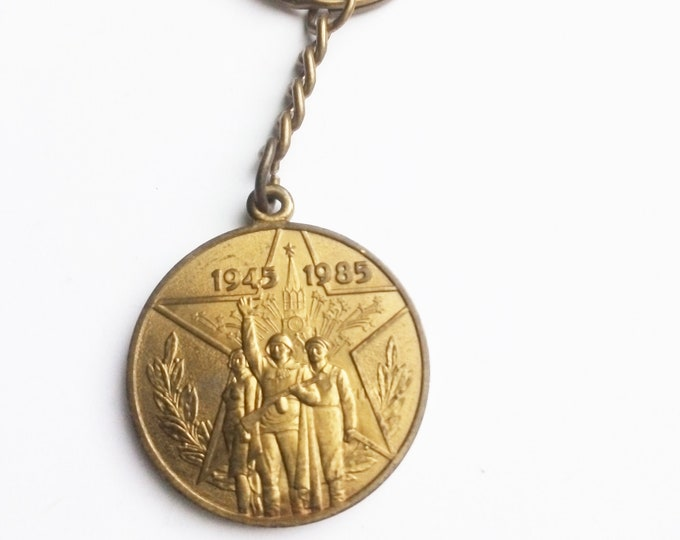 Brand New Key Ring with Original Soviet Russian Medal 40th Anniversary of Soviet WW2 Victory USSR.Keychain Veterans Medal.Jubilee Medal.