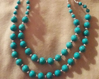 Vintage Turquoise Beads.Vintage Jewelry.Vintage Beaded Necklace.