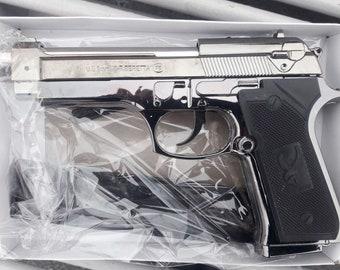 Souvenir Pistol Gun Gas Jet Flame Lighter Beretta M9 With Stand