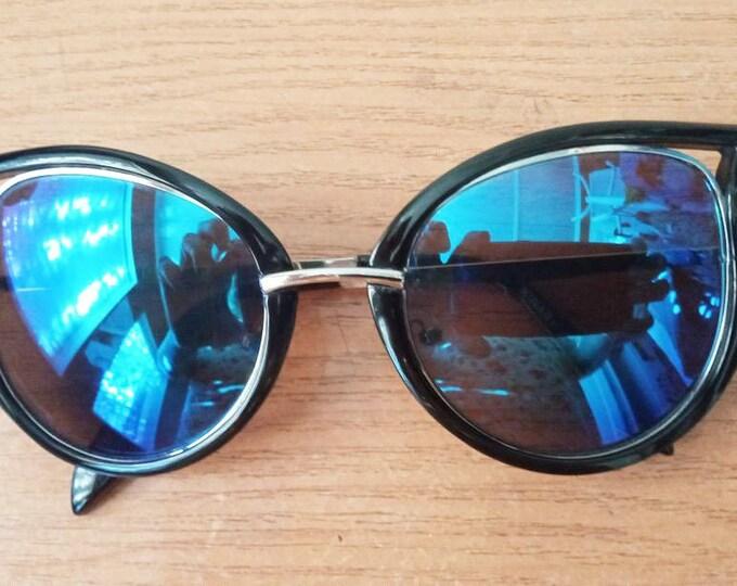Vintage Sunglasses. Glasses Chameleons Retro Sunglasses. Style 70's.Vintage Chameleon Lens Italy Design