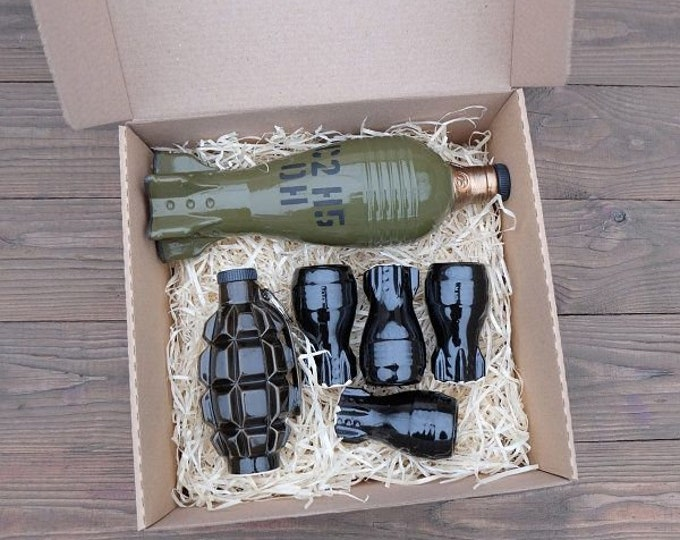 """New Gift Souvenir Decanter Set For Alcohol """"Mine Shell And F1 Grenade"""". Ceramic Bottle and 4 Wineglasses. Shtof , Jug for Alcohol"""