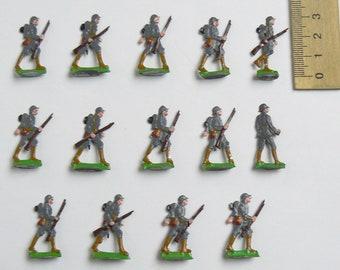 RARE WW1 Antique Set of 14 German Vintage Painted Tin Soldiers Ernst Heirichsen w/Box