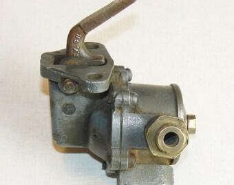 Original Triumph TR6 TR250.AC YD Fuel Pump 856815 32-8 England Stamped
