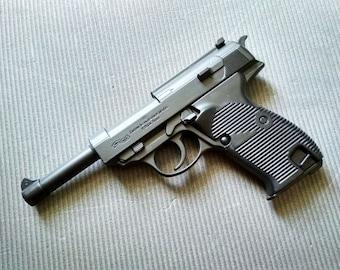Metal-Plastic Souvenir Jet Flame Pistol Gun Lighter Walther P38