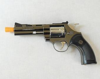 "New Souvenir Jet Flame Pistol Gun Gas Lighter Revolver with Holster ""Python"""