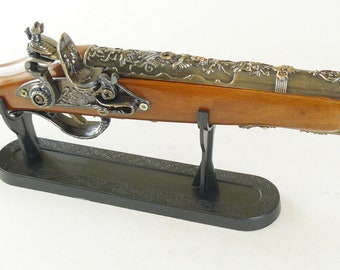 New Souvenir Old Retro Pistol Musket Gun Lighter With Stand Antique Old Style