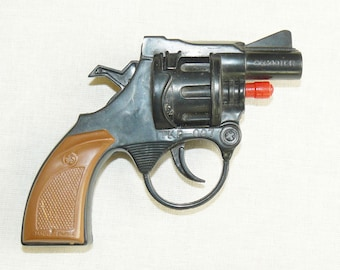 Chinese Toy Weapon Gun Plastic Piston Caps Shooting Pistol Revolver