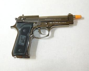 New Souvenir Pistol Gun Gas Jet Flame Lighter Beretta M9 With Stand Cigarette Lighter
