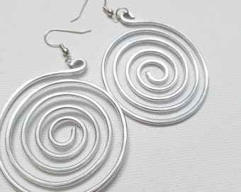 Hip'Notic Spiral Hammered Earrings