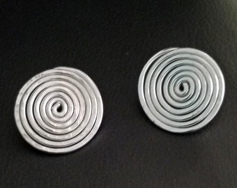 Hip'Notic Spiral Hammered Post Earrings