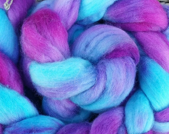 "Wool roving for spinning, felting, quilting for textile art ""Lark foot"""