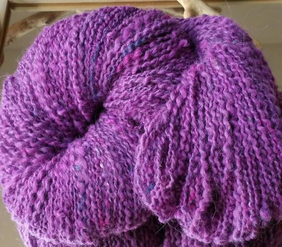 "Skein of ""Aubriette"" soft wool, purple, Bulky hand spun wool"