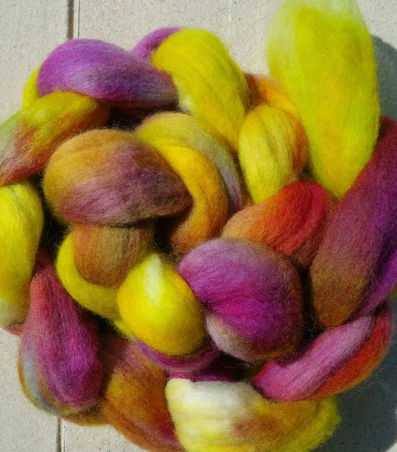 "Wool roving for spinning or felting ""Wolf face"""