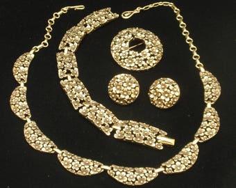 Tiny Flowers Set by Coro Vintage Parure Necklace Bracelet Brooch Pin Earrings
