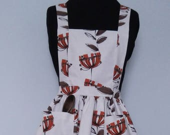Orange flower full length 1950's Retro style Apron with large pockets and tie back
