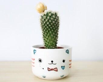 Bear ceramic plant pot Sherlock inspired, Ceramic planter, Succulent planter, Ceramics pottery, Flower plant pot, Flower pot, Cacti planter