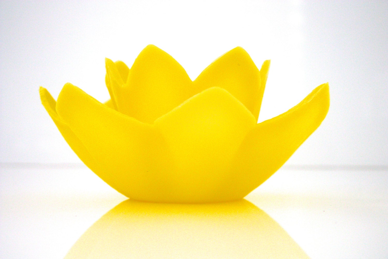 Vintage Bright Yellow Floating Lotus Candle In Box Candle Glo