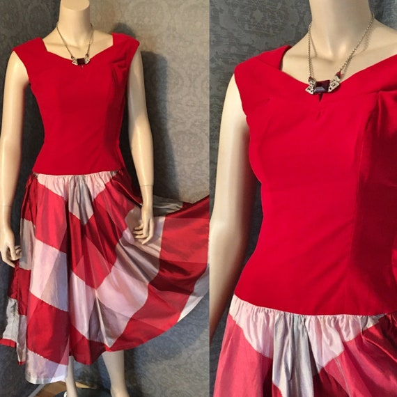 Adorable Fit to Flatter 1950s Carol King Red Cotto