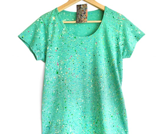 XS M  GO GREEN. Green colour splash t-shirt. Green speckled t-shirt. Greenies t-shirt